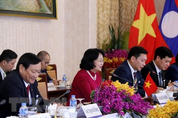 Weitere Tätigkeiten der Vize-Staatspräsidentin Dang Thi Ngoc Thinh in Laos - ảnh 1