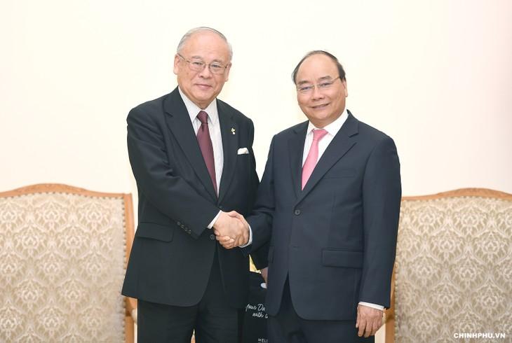 Premierminister Nguyen Xuan Phuc empfängt Berater der Japan-Vietnam-Abgeordnetengruppe - ảnh 1