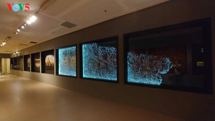 Der einzigartige zeitgenössische Kunstraum im Parlamentsgebäude - ảnh 14