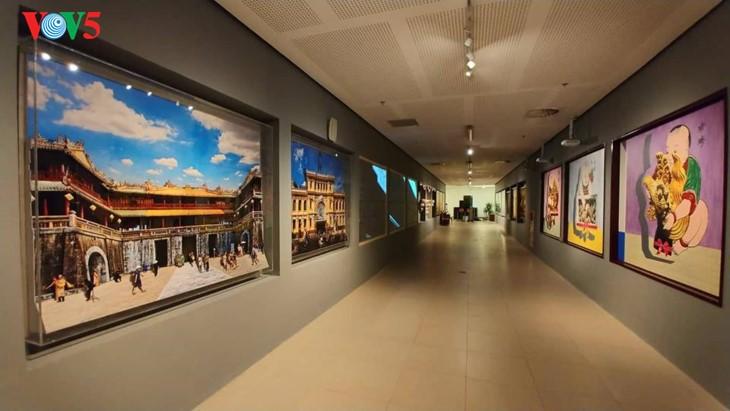 Der einzigartige zeitgenössische Kunstraum im Parlamentsgebäude - ảnh 2