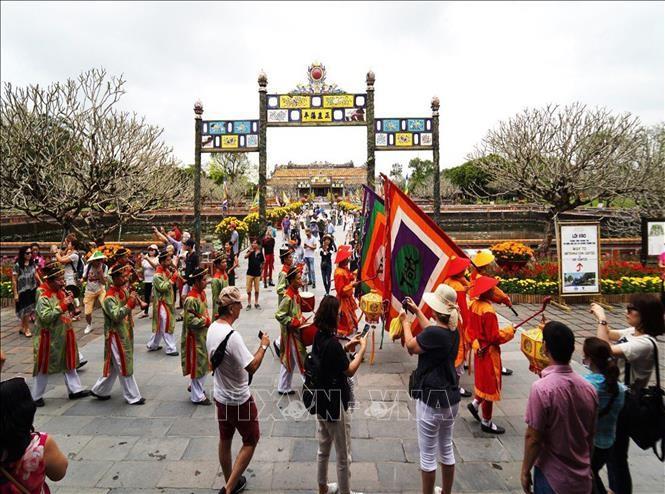 Hue empfängt mehr als 50.000 ausländische Touristen zum Tet-Fest - ảnh 1