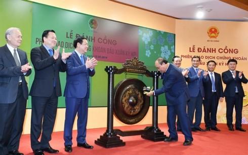 Premierminister Nguyen Xuan Phuc: Das Vertrauen auf die Wirtschaftsentwicklung Vietnams ist weiterhin stark - ảnh 1