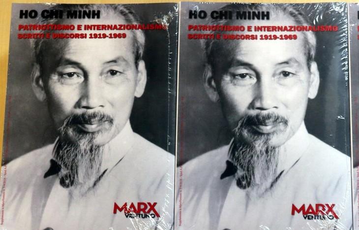 Das Buch über die Artikeln des Präsidenten Ho Chi Minh auf Italienisch präsentieren  - ảnh 1