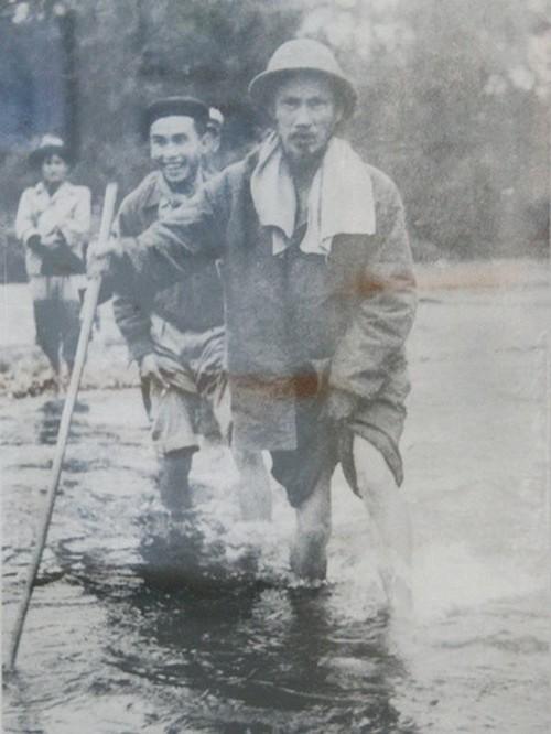 Archivbilder über Präsident Ho Chi Minh - ảnh 8