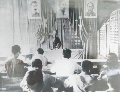 Archivbilder über Präsident Ho Chi Minh - ảnh 10