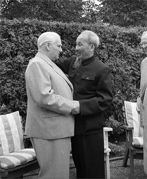 Archivbilder über Präsident Ho Chi Minh - ảnh 13