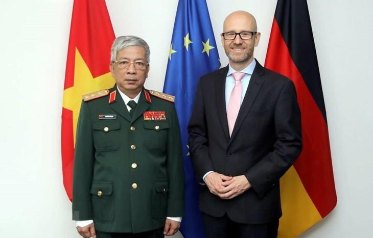 Förderung der Verteidigungszusammenarbeit zwischen Deutschland und Vietnam - ảnh 1