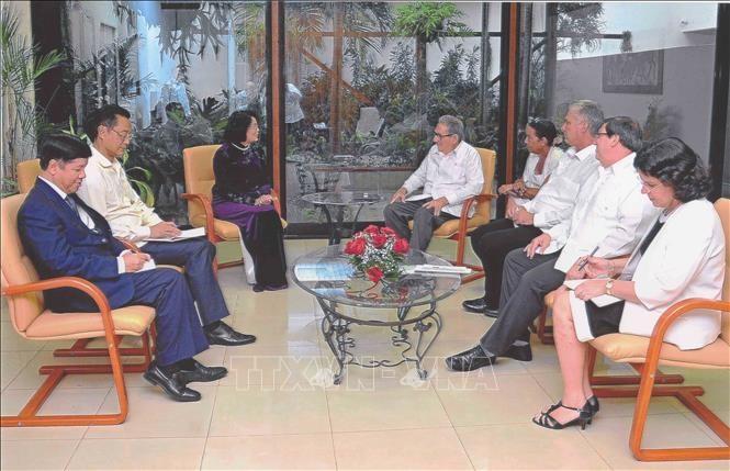 Vize-Staatspräsidentin Dang Thi Ngoc Thinh besucht Kuba - ảnh 1