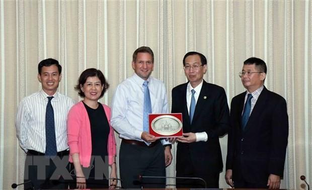 Ho Chi Minh Stadt und Intel-Unternehmen verstärken die Zusammenarbeit - ảnh 1