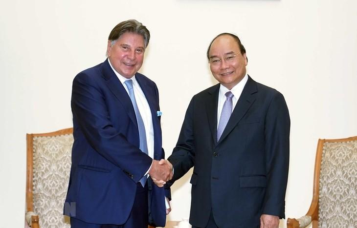 응우옌 쑤언 폭 총리, TTI 그룹의장 접견 - ảnh 1