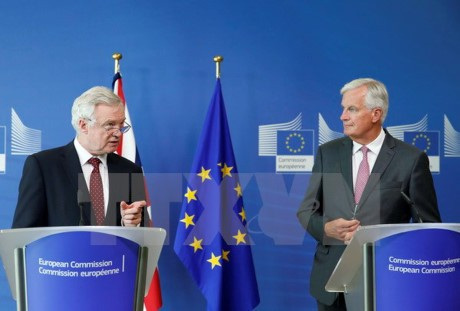 EU និងអង់គ្លេសនៅមានការខ្វែងគំនិតខាងទស្សនៈក្នុងការចរចារអំពី Brexit - ảnh 1