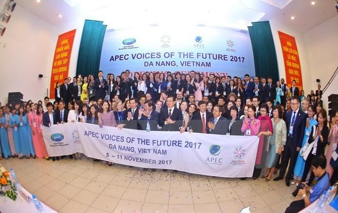 វេទិកាសម្លេងអនាគត APEC ឆ្នាំ ២០១៧ បើកជាផ្លូវការនៅទីក្រុង Da Nang   វៀតណាម - ảnh 1