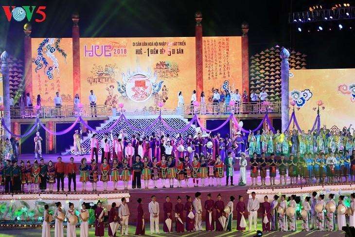 សិល្បៈអន្តរជាតិចម្រុះពណ៌នៅ Festival Hue ២០១៨ - ảnh 1