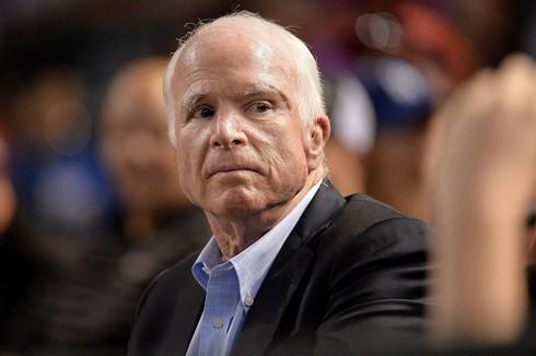 មជ្ឈដ្ឋានមន្ត្រីអាមេរិកនិងអន្តរជាតិចូលរួមរំលែកទុក្ខចំពោះមរណភាពរបស់សមាជិកព្រឹទ្ធសភាអាមេរិក លោក John McCain - ảnh 1