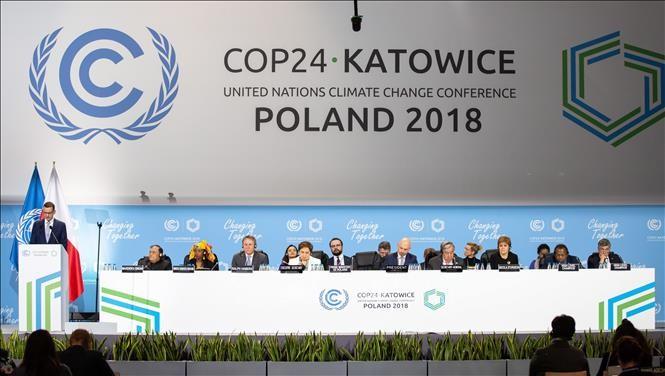 COP 24 ចេញពង្រាងសេចក្តីថ្លែងការណ៍រួមបន្ទាប់ពីធ្វើការចរចាជាច្រើនថ្ងៃយ៉ាងតានតឹង - ảnh 1