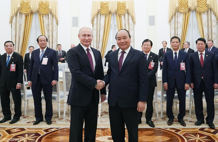 នាយករដ្ឋមន្រ្តីវៀតណាមលោក Nguyen Xuan Phuc អញ្ជើញជួបសវនាការជា មួយប្រធានាធិបតីរុស្ស៊ីលោក Vladimir Putin - ảnh 1