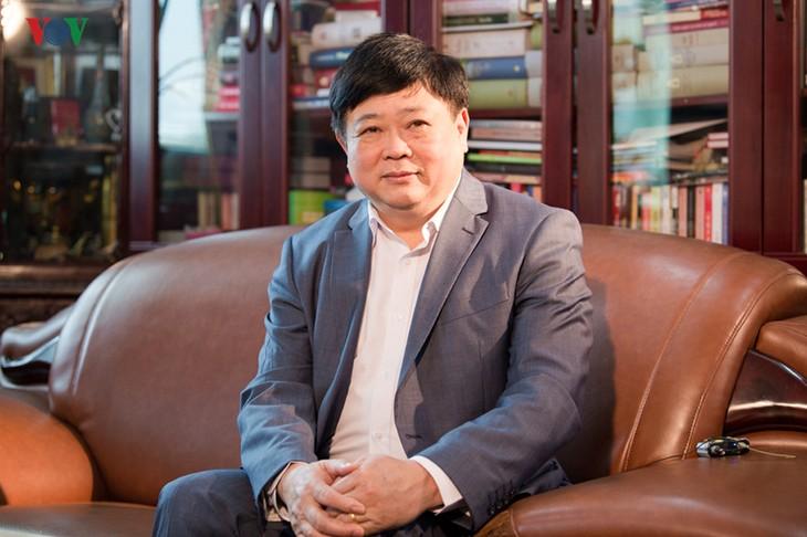 អគ្គនាយកវិទ្យុសម្លេងវៀតណាម លោក Nguyen The Ky៖ អ្នកសារព័ត៌មានគួរតែឆ្លៀតប្រើប្រាស់បណ្តាញសង្គមដើម្បីផ្សព្វផ្សាយព័ត៌មានមានប្រយោជន៍ - ảnh 1