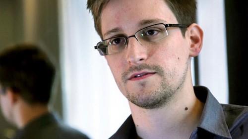 រុស្ស៊ីបានអនុញ្ញាតឲ្យ Edward Snowden ភៀសខ្លួនជាបណ្ដោះអាសន្ន។ - ảnh 1