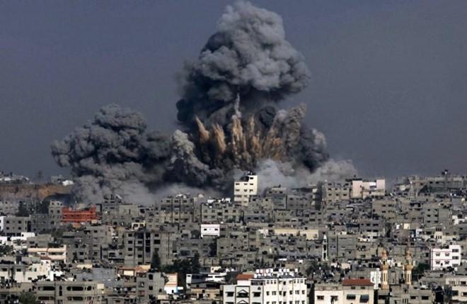 អ៊ីស្រាអែលវាយប្រហារតបតវិញការបាញ់កាំជ្រួចពីតំបន់ Gaza - ảnh 1