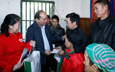 នាយករដ្ឋមន្ត្រីលោក Nguyen Xuan Phuc អញ្ជើញទៅបំពេញការងារនៅខេត្ត Cao Bang - ảnh 1