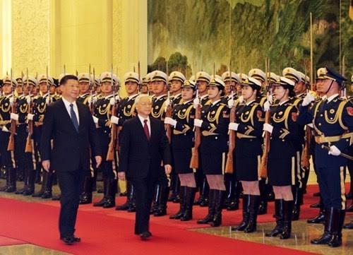 អគ្គលេខាបក្សលោក Nguyen Phu Trong ជួបចរចារជាមួយអគ្គលេខាបក្សនិងជាប្រធានរដ្ឋចិន លោក Xi Jinping - ảnh 1