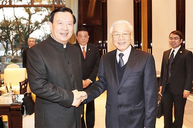 អគ្គលេខាបក្ស លោក Nguyen Phu Trong ជួបសន្ទនាជាមួយអគ្គលេខាធិការគណៈកម្មាធិការបក្សខេត្ត Zhejiang - ảnh 1