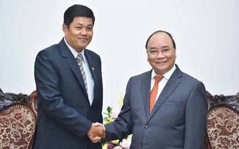 នាយករដ្ឋមន្រ្តីលោក Nguyen Xuan Phuc អញ្ជើញទទួលជួបសន្ទនាជាមួយឯកអគ្គរដ្ឋទូតមីយ៉ាន់ម៉ា Kyaw Soe Win - ảnh 1
