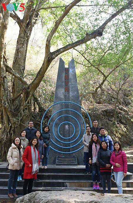 回到胡志明主席70年前在越南之声朗诵贺年诗的地方 - ảnh 7