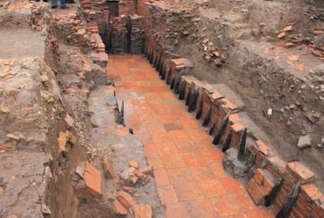 升龙-河内遗产保护中心新发掘的考古区将开门迎接游客前来参观 - ảnh 1