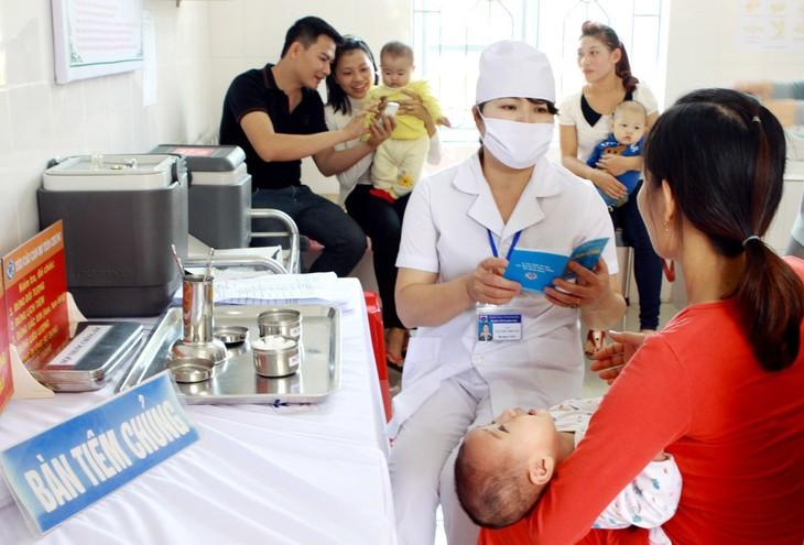世卫组织呼吁世界各国充分发挥疫苗防病效果 - ảnh 1