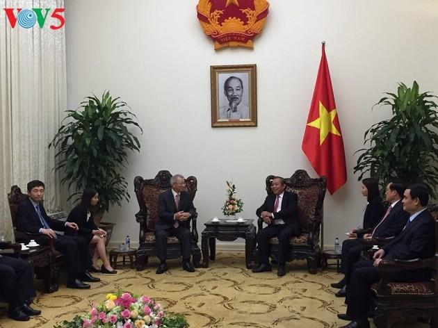 越南政府常务副总理张和平会见韩国大法院院长梁承泰 - ảnh 1