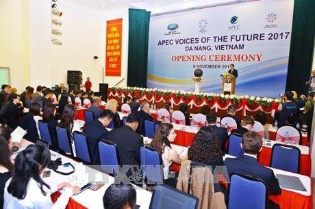 2017年APEC未来之声论坛开幕 - ảnh 1