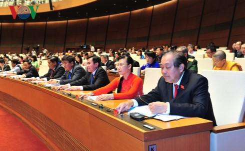 越南国会通过2018年经济社会发展计划决议 - ảnh 1