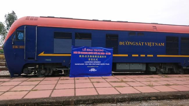 越南和中国首趟集装箱列车开行 - ảnh 1
