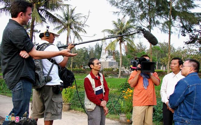数百名记者参与报道山美大屠杀50周年纪念仪式 - ảnh 1