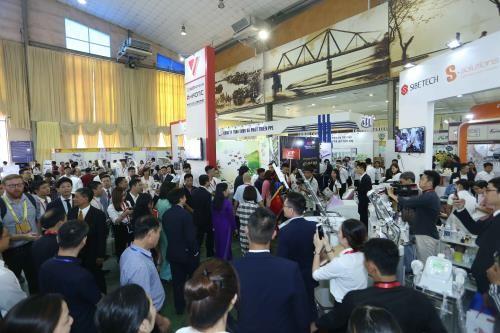 世界30个国家和地区参加国际医药专业展览会 - ảnh 1
