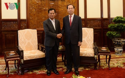 陈大光会见老挝公安部副部长贡通·蓬维吉 - ảnh 1