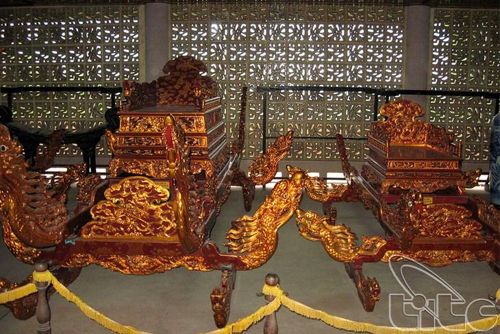 参观反映越南民族辉煌历史的雄王博物馆 - ảnh 3
