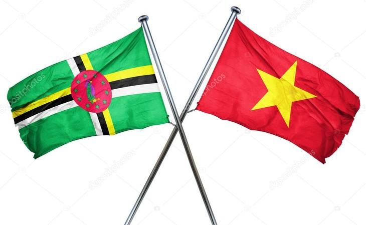 越共中央总书记阮富仲会见多米尼加左翼统一运动党高级代表团 - ảnh 1