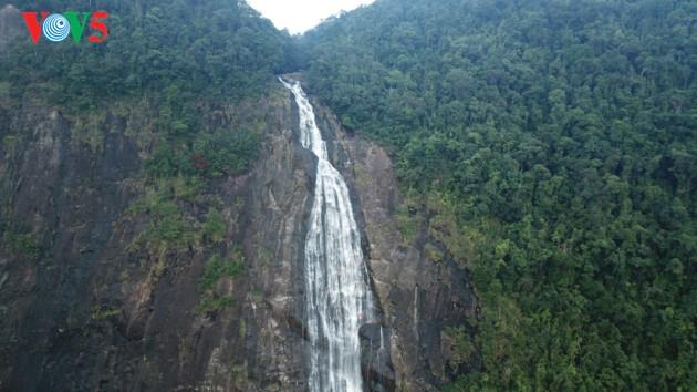 征服五湖和杜鹃瀑布的探险之旅 - ảnh 12