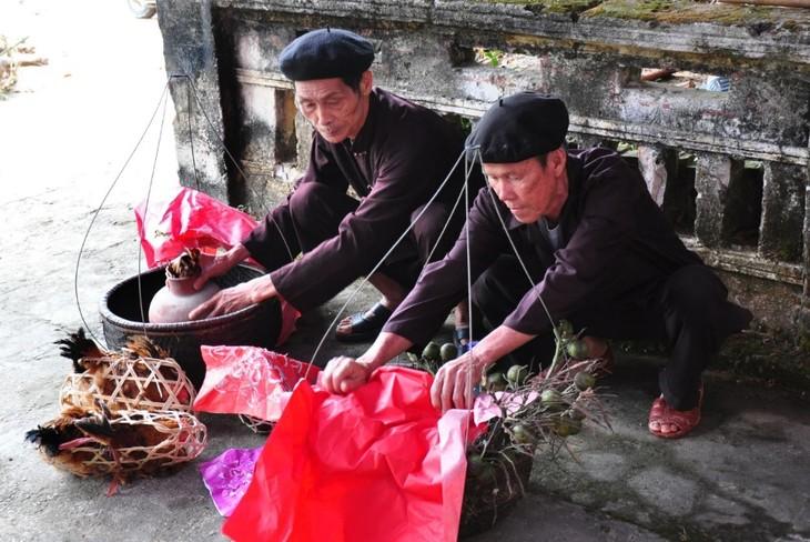 太原省山由族婚俗中最重要的仪式之一——迎接新娘仪式 - ảnh 1