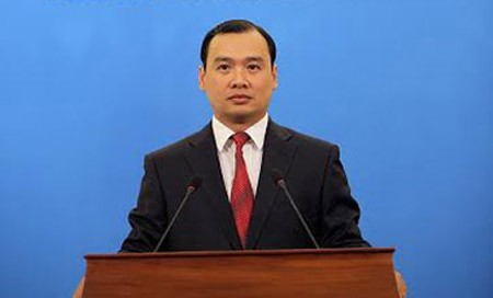 Vietnam expects peaceful means to resolve issues in the Ukraine and Crimea - ảnh 1