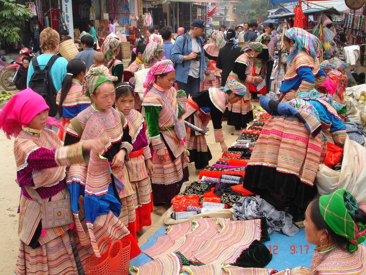 Bac Ha market in the early days of the lunar New Year - ảnh 2