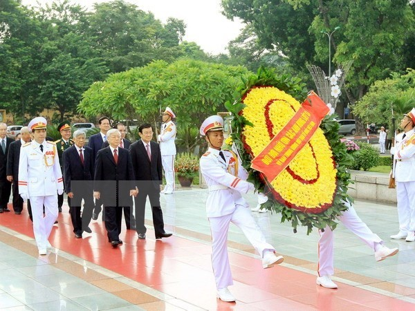 President Ho Chi Minh, fallen soldiers remembered on National Day - ảnh 1