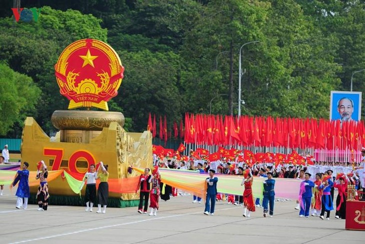 Scenes from majestic National Day parade - ảnh 4