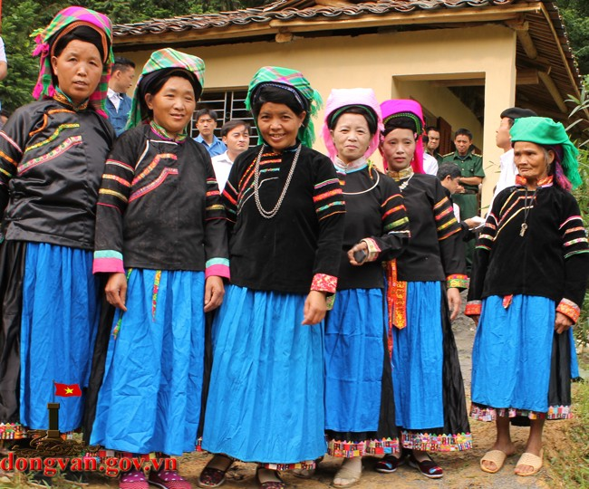 Pu Peo people preserve traditional clothes - ảnh 2