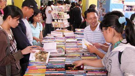 5th international book fair opens - ảnh 1