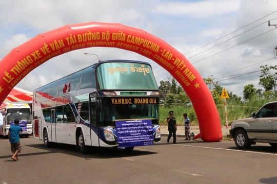 Vietnam, Cambodia, Lao cross-border road opens - ảnh 2