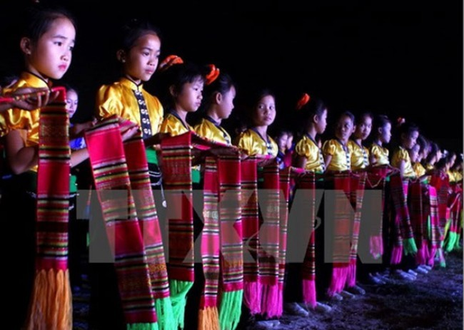 Muong Lo Culture, Sports and Tourism Week opens - ảnh 1