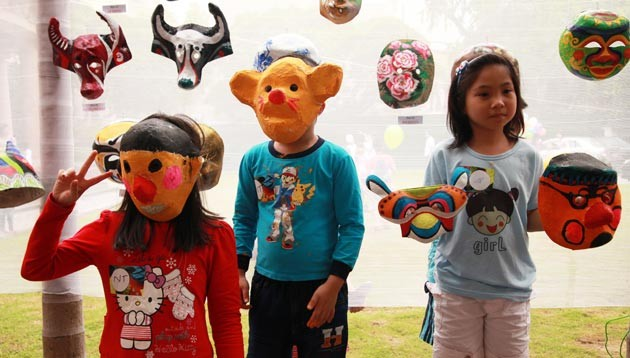 Making paper masks for Mid-autumn festival - ảnh 3